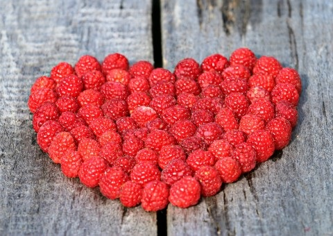 heart_raspberry_board_love_ripe_berry_red_symbol-591644