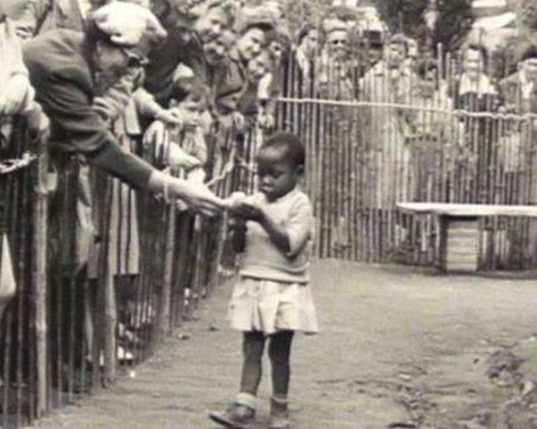 Human-Zoos-with-African-People-Put-on-Display
