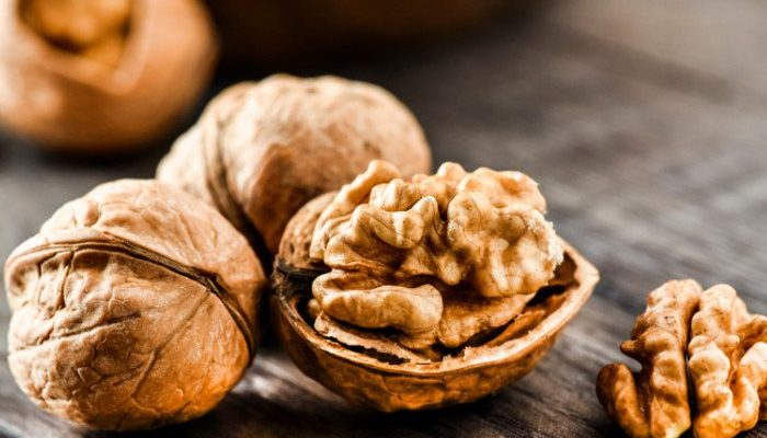 4 Health Benefits of Walnuts
