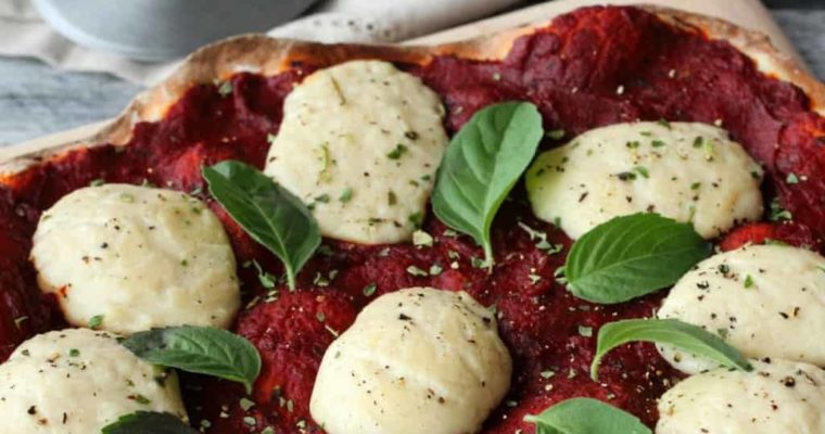 Vegan Mozzarella – Stretchy, Melly and Divine on Pizza!